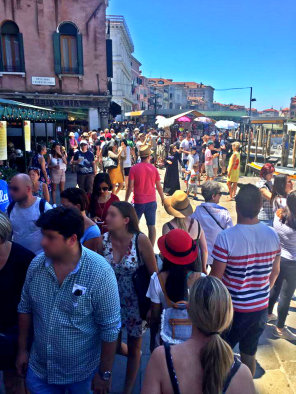 Crowds in Venice, Italy - Wandering Nobody Travel Blog