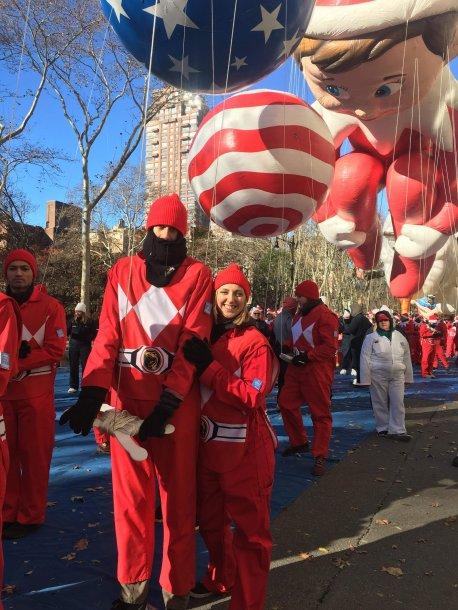 macys thanksgiving, couple, balloons, parade